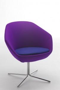 Moderna stolica - fotelja dizajn, sa nogom od metala, te sjedištem od materijala. Veliki izbor boja i vrsta materijala, te kombinacija metalnih noga.