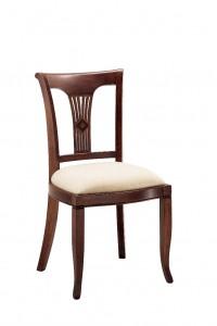 Klasična stolica izrađena od masivnog drva u boji oraha sa sjedištem u tkanini krem boje. Dimenzije 92 x 53 x 50 cm. Može se naručiti u različitim bojama drva i tkanina.