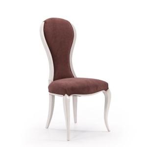 Klasična drvena stolica lakirana u bijelu boju, sjedište i leđa u tkanini. Može se naručiti u drugim bojama drva i drugim tkaninama.