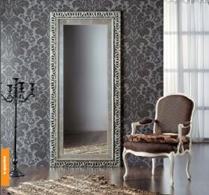 Klasično ogledao antik srebrne boje, dimenzije 90x200 h. Može se naručiti i u drugim bojama i veličinama.