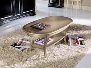 Klasični ovalni stolić, izrađen od masivnog drva. Može se naručiti i u drugim bojama, te sa pločom od stakla.