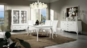 Barokni namještaj izrađen od masivnog drva, bojan u bijelu boju sa dekorima. U kompletu su klasična vitrina, klasična komoda, klasični stol i klasične stolice presvičene u bijelu kožu. Može se naručiti u drugim bojama i završnim obradama.
