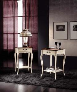 Klasični stolići sa jednim ladicom stila