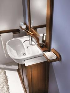 Klasični stilski element za lavabo sa 2 vrata, u kompletu sa klasičnim ogledalom. Bojano u klasičnu boju oraha. Za kompletirati mogu se naručiti u kompletu i razni dodaci, kao šta su držač sapuna, papira, češljića i sl.