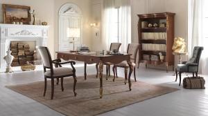 Klasični uredski namještaj u bji oraha sa detaljima tapkanim sa srebrnim listićima, sastoji se od klasičnog pisaćeg stola sa tri ladice, klasične biblioteke, dvije klasične stolice , te stolicom sa rukonaslonima.