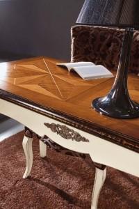 Klasični radni stol za vašu radnu sobu.
